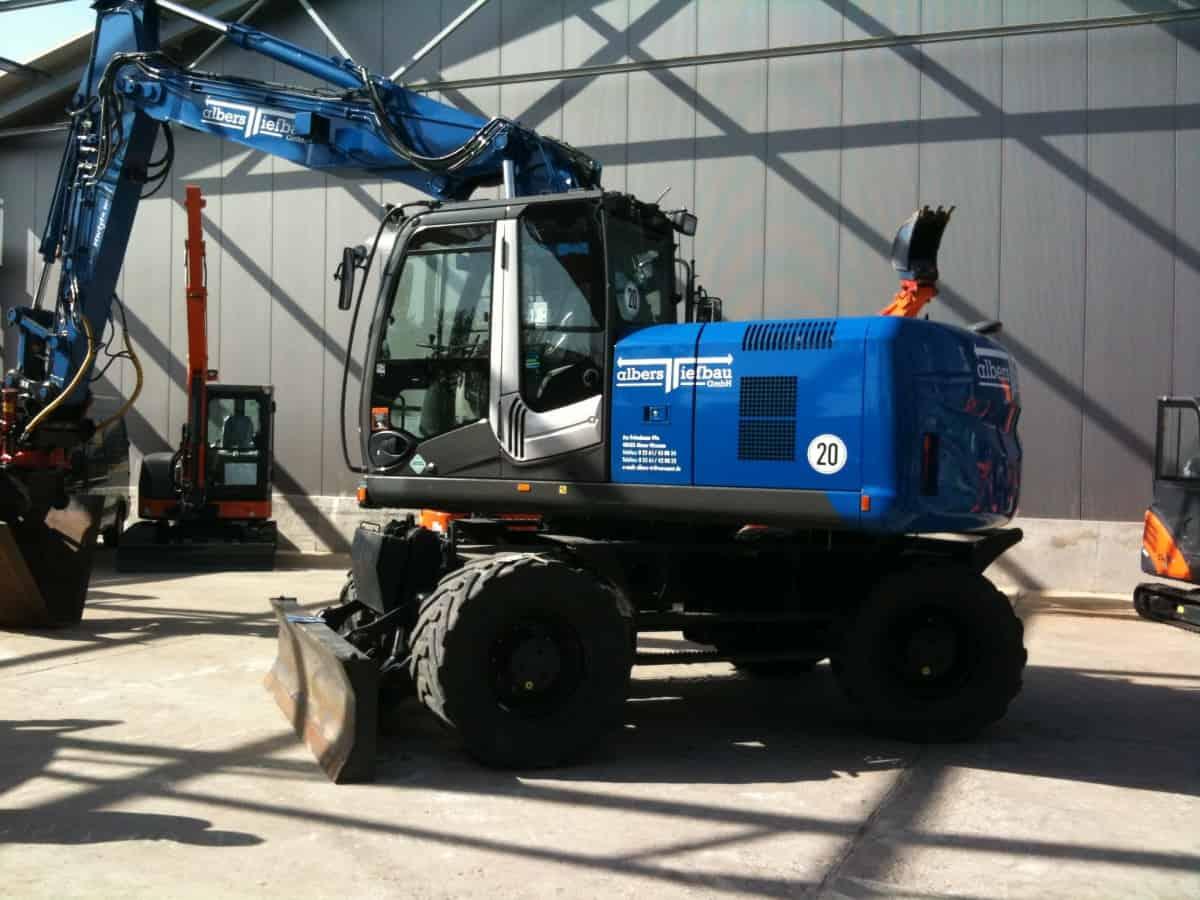 Impressionen von den Fahrzeugen Albers Transporte GmbH + Albers Tiefbau GmbH - Fuhrpark, Containerdienst